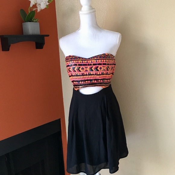 92265a1c988 NEW Forever 21 Cut Out Sequin Aztec Dress L